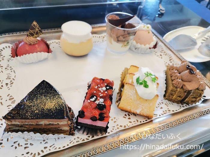 リーガロイヤルクラブフロアのアフタヌーンティータイムケーキ
