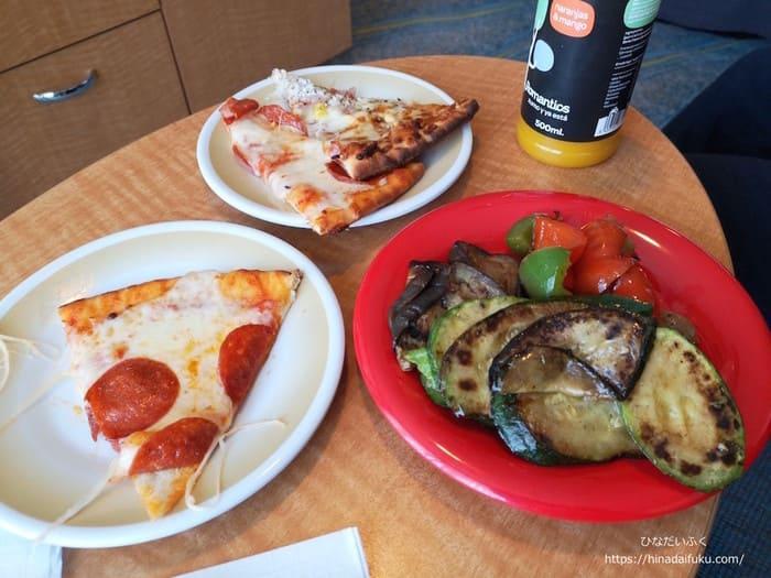 クルーズ内ソレントスのピザ
