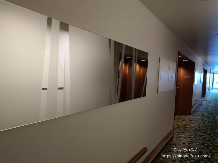 ヒルトンヘルシンキ壁