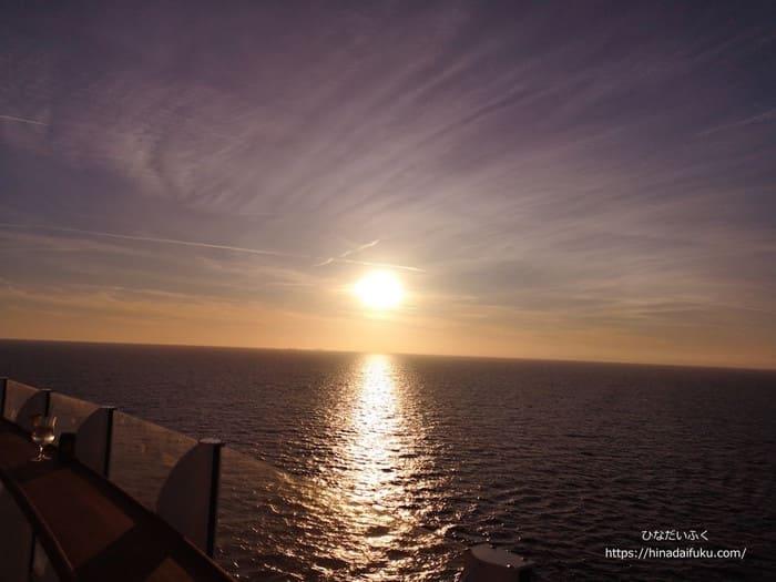 クルーズから見える日没