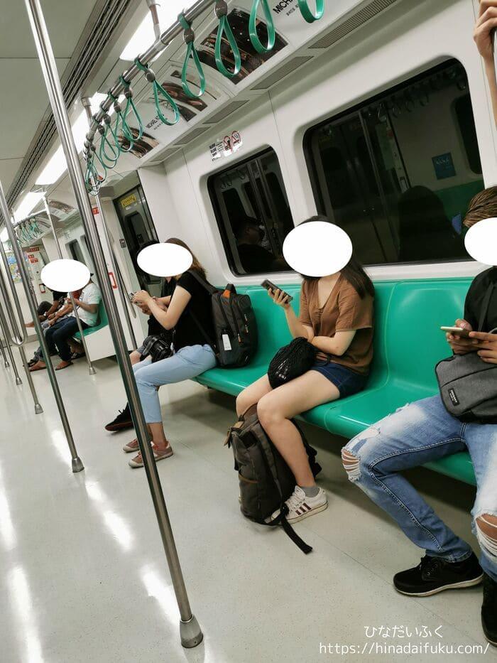 高雄MRT電車の中