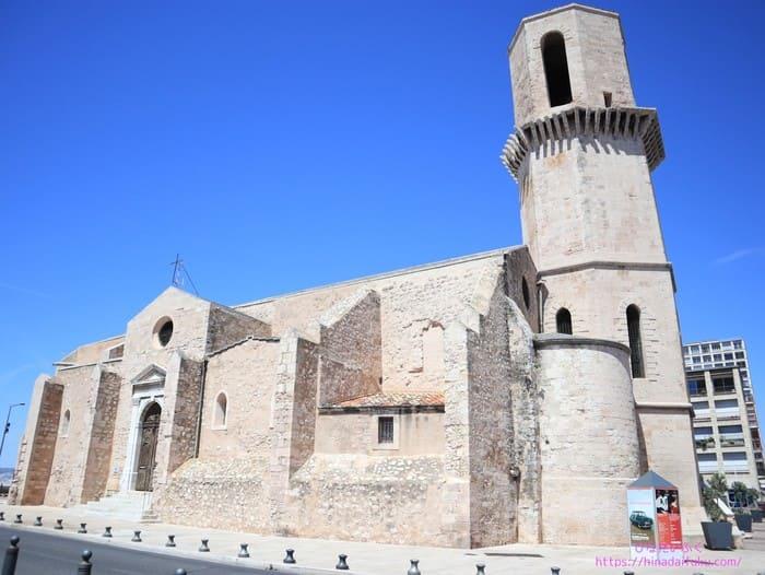 マルセイユ大聖堂に行く途中の教会