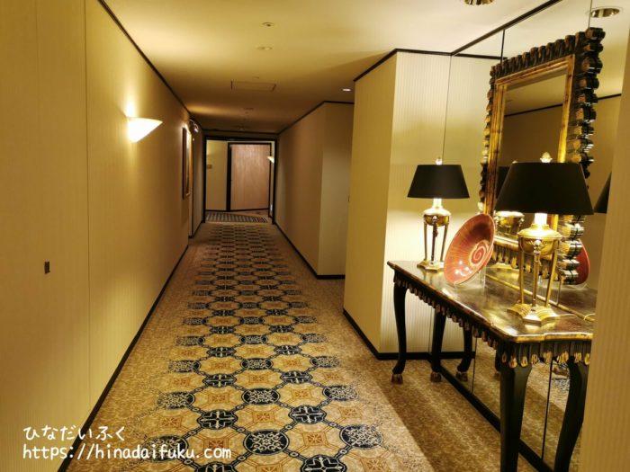 横浜ロイヤルパークホテル廊下