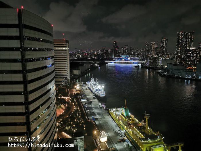 インターコンチネンタル東京ベイ部屋からの夜景