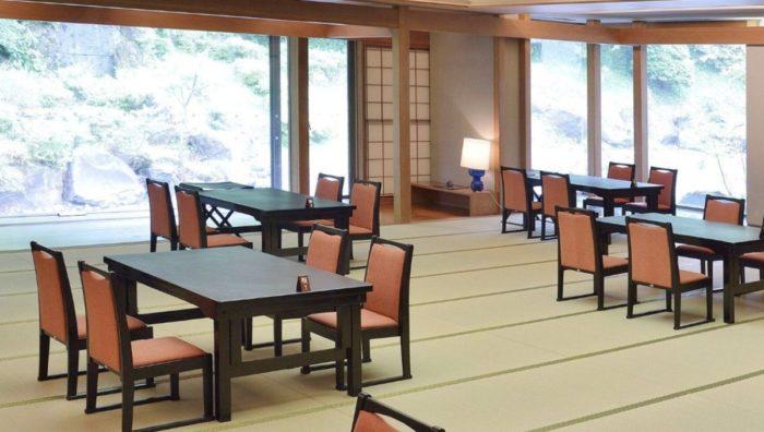 湯の花プリンスホテル食事会場