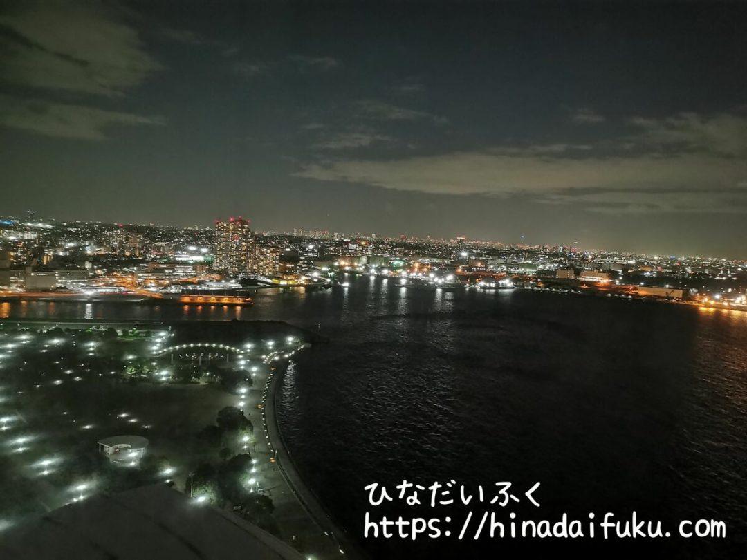 ヨコハマグランドインターコンチネンタル部屋からの夜景