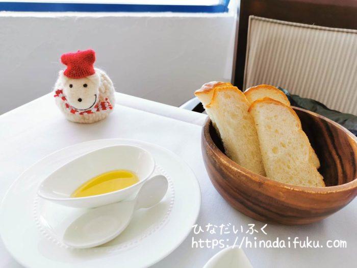 ヴィラサントリーニ朝食パン